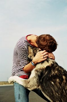 Do you love taking pictures of you and your pets? Tribbit makes it easy to capture hands free pictures and video of these moments.