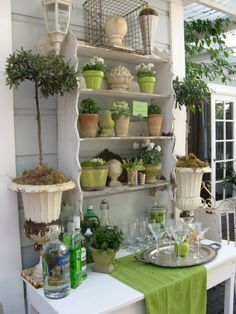 If I ever get that screened porch.....outdoor area
