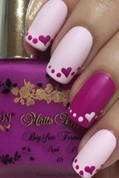 Litle heart painted in purple, such a wonderful #ValentinesDay #NailArt