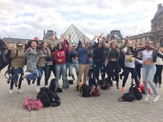 The Art of happiness: one of our groups visit the Louvre in Paris. Trips For Young People, Travel Tours, Louvre, Happiness, Paris, Adventure, School, World, The World