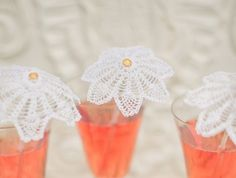Ombrellini da Cocktail http://www.lovediy.it/2014/04/07/ombrellini-da-cocktail/ Un'idea #chic perfetta per un #matrimonio o per un #aperitivo in giardino: ombrellini da #cocktail fatti all'#uncinetto...