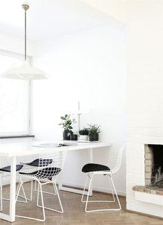 Comedores blancos con mesa y sillas de forja. www.fustaiferro.com fustaiferro.wordpress.com