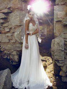 Princess Sweetheart Neckline Brush Train Chiffon Bridal Wear With Applique