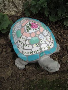 Mosaic garden turtle by Robinloves2break on Etsy
