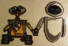 Wall-E and Eve hama beads by perleshamanews