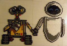 Wall-E and Eve hama beads by perleshamanews