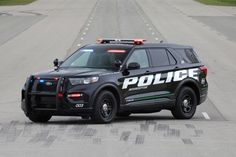 Six troopers with the Washington State Patrol filed suit against Ford, saying that exhaust fumes and gases filled their Explorer-based Police Interceptor Utility vehicles and made them sick. Police Truck, Ford Police, State Police, Police Cars, Local Police, Military Police, 2020 Ford Explorer, First Drive, Emergency Vehicles