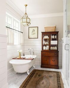 Outstanding Images Small Bathroom Clawfoot Tub, Make certain that your water heater can support the tub along with other hot water fixtures in your dwelling. Even though a clawfoot tub is fantastic . Bathroom Chandelier, Bathroom Rugs, Small Bathroom, Bathroom Ideas, Budget Bathroom, Bathroom Renovations, Master Bathrooms, Bathroom Vintage, Neutral Bathroom