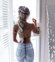 When I want that extra thickness in my braids I use clip ins 💁🏼These are ( trimmed a little shorter) in the colour latte blonde ( washed with purple shampoo) Code for free gift is 'foxyhilde' 💋💋 Tan is Tight Dresses, Sexy Dresses, Skinny Fashion, Summer Outfits, Cute Outfits, Bustier Top, Sexy Boots, Sexy Jeans, Girls Jeans