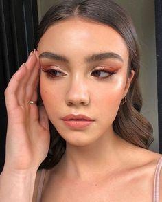 Glam Makeup, Cute Makeup, Pretty Makeup, Skin Makeup, Eyeshadow Makeup, Makeup Inspo, Makeup Art, Makeup Inspiration, Revlon Eyeshadow