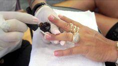 Nail designer/Deh Ribeiro.Esmaltação em Gel - Glamuria Esmalteria