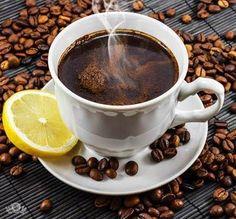 РЕЦЕПТ ЛИМОННОГО КОФЕ Этот рецепт кофе будет отличным дополнением к любому десерту.  Ингредиенты:  2 ст. л. обжаренных кофейных зерен  1 ст. л. лимонного сока  Вода  Подсластитель (мед или сахар)   На крупной терке снимаем с лимона цедру, смешиваем с обжаренными кофейными зернами и перемалываем их в кофемолке. Берем турку и перекладываем полученную смесь из кофе и цедры лимона, добавляем лимонного сока, воды и ставим кофе на слабый огонь. Свежесваренный кофе процедить через ситечко или…