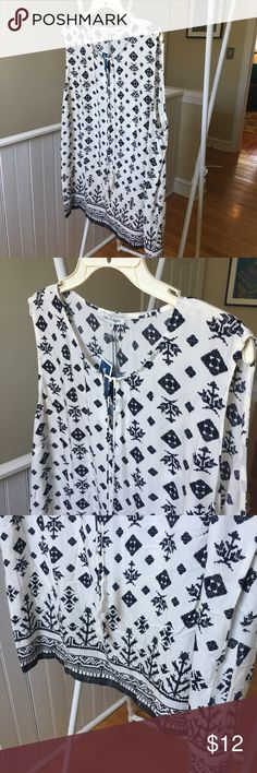 NWT Rose & Rhyme rayon patterned top 2x Fantastic geometric pattern light weight 100% rayon blouse from Rose and Rhyme. Size 2X new with tags chest is 50 inches and the length is 30 inches rose & rhyme Tops Blouses