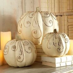 No-Carve Pumpkin Decorating Ideas. Pumpkins are all part of Halloween Decorations and here are ideas and inspiration to Make Your Own, without the mess of carving. Great for Halloween Party Decor too Fete Halloween, Holidays Halloween, Halloween Crafts, Classy Halloween, Halloween Weddings, Christmas Holidays, Halloween 2015, Christmas Door, Halloween Couples