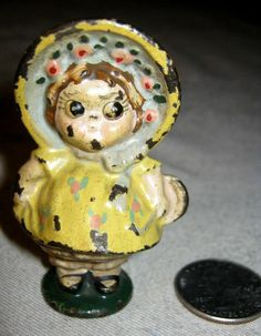 ANTIQUE HUBLEY DOLLY DIMPLE GIRL DRESS CAST IRON ART STATUE DOLL TOY PAPERWEIGHT