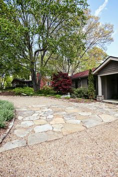 Miller gvhphotographie.blogspot.com Pea gravel driveway edged with stone with… #DrivewayLandscape