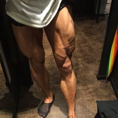 Changing Room #legs check. Please dont look at my socks . . . . #inspiration#physique#ripped#aesthetics#motivation#discipline#training#gymlife#abs#fitness#beastmode#keepgoing#sixpack#transformation#crazy#fitness#shredded