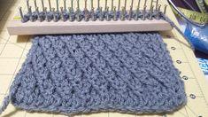 How to Loom Knit a Bicolor Brioche Stitch Scarf Tutorial (DIY Tutorial) Loom Knitting Stitches, Spool Knitting, Knifty Knitter, Loom Knitting Projects, Loom Bands, Knooking, Loom Scarf, Loom Crochet, Honeycomb Stitch