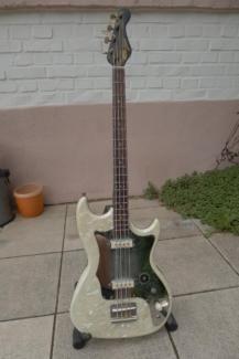 Bass-Isana-altes Schätzchen... in Hessen - Limburg | Musikinstrumente und Zubehör gebraucht kaufen | eBay Kleinanzeigen