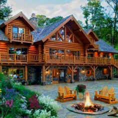 Dream home......picture this thing on the Sturgeon River.  :D