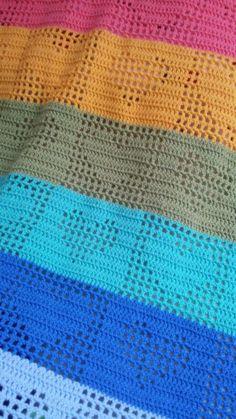 Modern filethaken Crochet Heart Blanket, Baby Afghan Crochet, Crochet Pillow, Afghan Crochet Patterns, Crochet Stitches, Diy Crafts Crochet, Crochet Projects, Gilet Crochet, Learn To Crochet