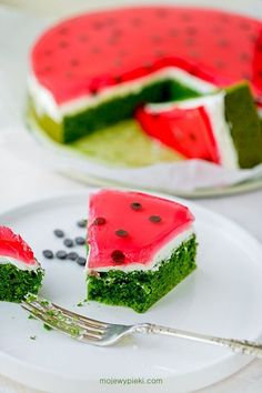 Spinach sponge cake with mascarpone cream and strawberry jelly