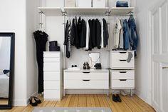 walk in closet Open Wardrobe, Wardrobe Rack, Wardrobe Ideas, Scandinavian Interior, Scandinavian Style, Dream Closets, Walk In Closet, Nordic Style, Closet Organization