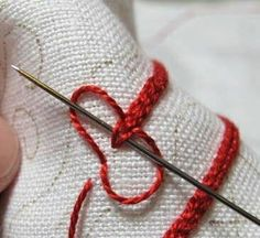 Hungarian Embroidery Ideas When to use a hoop - links to Hungarian Redwork Table Linen and Hungarian braided chain stitch Hungarian Embroidery, Types Of Embroidery, Brazilian Embroidery, Learn Embroidery, Embroidery Applique, Cross Stitch Embroidery, Embroidery Patterns, Weaving Patterns, Embroidery Stitches Tutorial