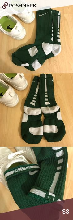 Nike Elite Crew Sock (Green/White) Nike Elite Crew Sock in a forest green and white. Intended for basketball but great for football and lacrosse also. In excellent used condition, with minor pilling at the heel. *Size MEDIUM: Women's 6-10 & Men's 6-8 Nike Accessories Hosiery & Socks