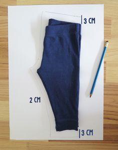 Estas leggings de bebés son súper prácticas, llevan poca tela, se hacen rapidísimo y el mismo molde se pueden usar tanto para varón como...