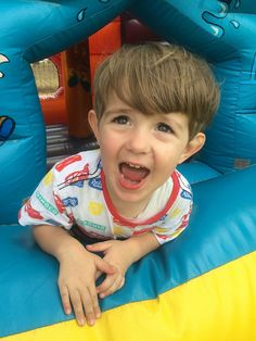 Inflatable Bouncers, Sensory Stimulation, Bouncy Castle, Anxiety In Children, First Time Moms, Childrens Party, Safety Tips, Parenting Hacks, Things That Bounce