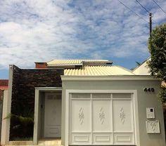 THAIS GREI Little Houses, Minimalist Home, Garage Doors, Architecture, Outdoor Decor, Design, Home Decor, Lofts, Pastel