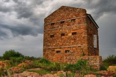 Witkop Blockhouse built in 1901 during the Anglo Boer War near Meyerton, South Africa Fortification, Brickwork, African History, Military History, Monument Valley, Landscape Photography, South Africa, Coastal, Old Things