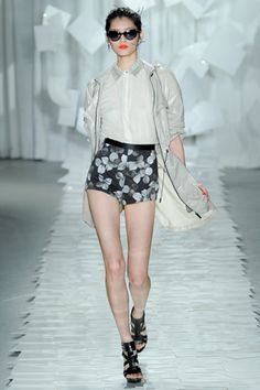 Chic summer fashion - Jason Wu