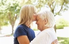 Una figlia, la malattia della madre. E un dolore che si rinnova ogni giorno. Finché «non capisci che amare ed essere amati è seguire un odore senza perderlo». Il senso forse è tutto lì...