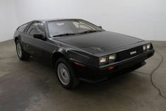 ◆1982 DeLorean DMC-12◆ Maintenance/restoration of old/vintage vehicles: the material for new cogs/casters/gears/pads could be cast polyamide which I (Cast polyamide) can produce. My contact: tatjana.alic@windowslive.com