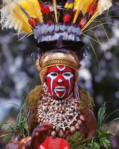 16 year old girl, Mt. Hagen tribe | Papua New Guinea