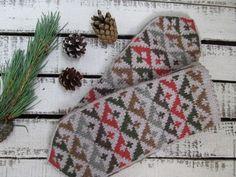 Mittens Pattern, Knit Mittens, Mitten Gloves, Knitted Hats, Tapestry Crochet Patterns, Fair Isle Knitting, Knitting Charts, Knitting Accessories, Handicraft