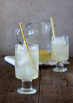 Vanilla Bean Lemonade Recipe - With tart, fresh lemon juice and creamy notes of vanilla, this lemonade reminds me of a super-refreshing crea...