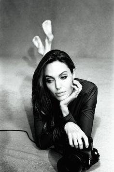 Анджелина Джоли (Angelina Jolie) в фотосессии Алексея Хэя (Alexei Hay) для журнала Marie Claire (январь 2012)