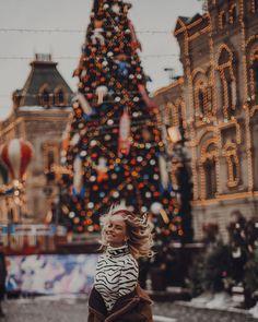Christmas Travel, Christmas Photos, Winter Christmas, Holiday, Fashion Photography Poses, Winter Photography, Jensen Ackles Kids, Alexandra Burimova, Christmas Feeling