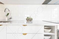 Beautiful details.  #Furniture #MadeToMeasure #Kitchen #InteriorDesign #FronteDesign Loft Kitchen, Interior Design, Mirror, Modern, Furniture, Beautiful, Home Decor, Nest Design, Trendy Tree