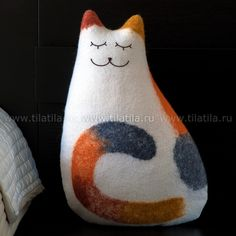 Three-coloured cat cushion, 46 x 30 x 15 cm, wet felting, embroidery