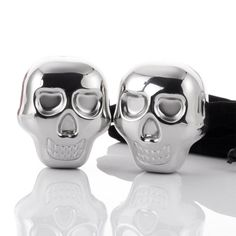 WHISKEY STONE COOLER SKULL Whiskey stone coolerare designed to chill fine whiskey without diluting or watering it down by melting ice.Just freeze them for four hours and these whiskey stones chill your whiskey to the perfect