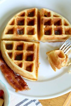 This Homemade Waffle Recipe is light and crispy on the outside, soft and fluffy on the inside - they're perfect every time! One Waffle Recipe, Waffle Batter Recipe, Waffle Mix Recipes, Easy Crispy Waffle Recipe, Waffle Batter Mix, Homemade Waffle Mix, Homemade Waffles, Savory Waffles, Homemade Sweets