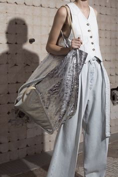 12 Spring Bag Trends 2019 - Silver Purses Silver Bags 27249a5a9fdaf