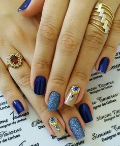 uñas nude, azul, glitter piedras Tina's Nails, Matte Nails, Love Nails, Hair And Nails, Fabulous Nails, Gorgeous Nails, Pretty Nails, Diy Nail Designs, Beautiful Nail Designs