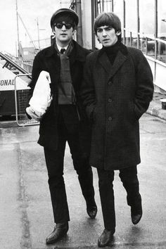 John Lennon and George Harrison ❤