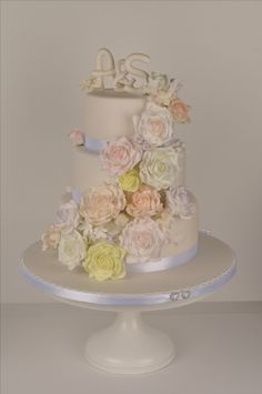 3 tiered wedding cake decorated with sugar florals. Cakepops, Florals, Cake Decorating, Wedding Cakes, Sugar, Desserts, Food, Birthday Cake Toppers, Floral