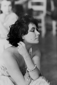 Elizabeth Taylor - wonder what she is thinking about....